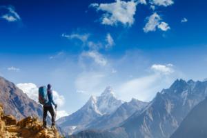 La consulenza psicologica aiuta a guardare oltre le montagne.